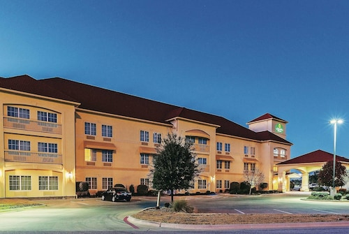 La Quinta Inn & Suites by Wyndham Eastland