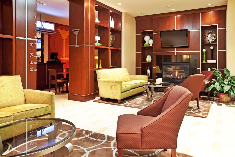 holiday inn gulfport airport deals reviews biloxi and. Black Bedroom Furniture Sets. Home Design Ideas