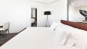 Premium-sengetøj, dundyner, minibar, pengeskab