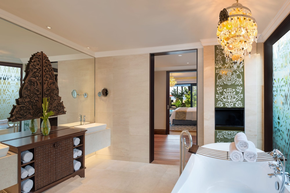 Bathroom, The St. Regis Bali Resort
