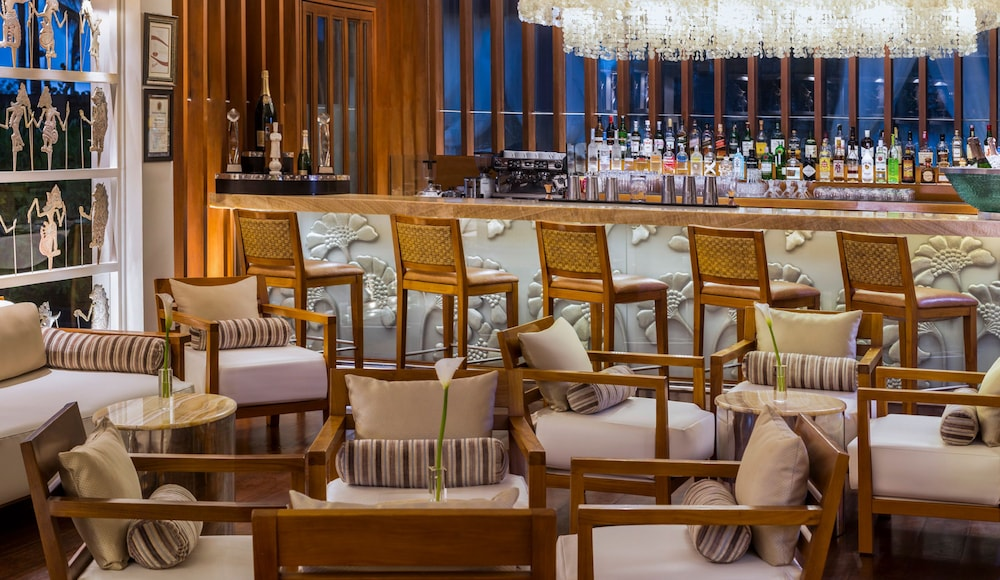 Bar, The St. Regis Bali Resort