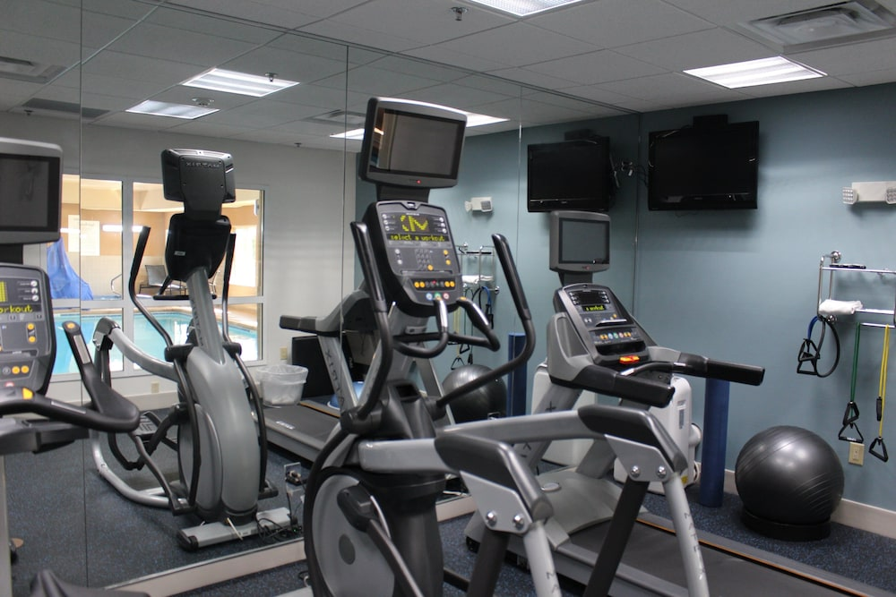 Fitness Facility, Holiday Inn Express & Suites Sedalia