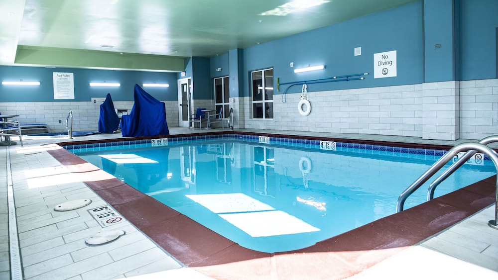 Indoor Pool, Holiday Inn Express & Suites Sedalia