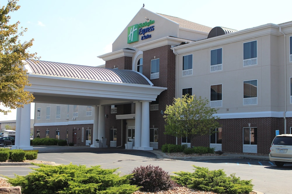Featured Image, Holiday Inn Express & Suites Sedalia