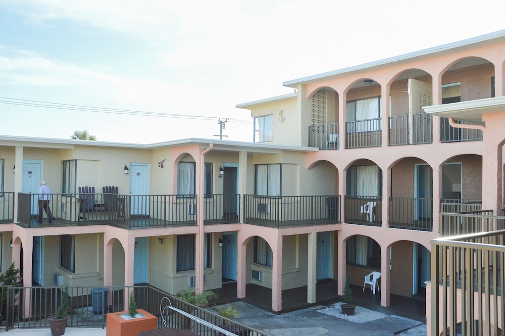 San Marina Motel 2 0 Out Of 5