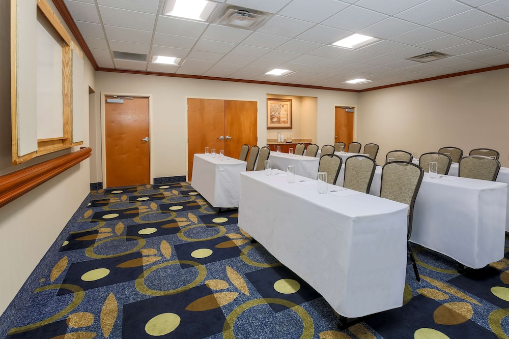 Meeting Facility, Hampton Inn & Suites New Haven - South - West Haven