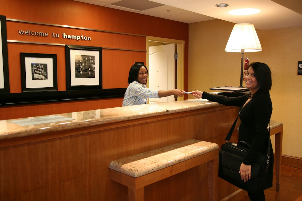Reception, Hampton Inn Hampton-Newport News