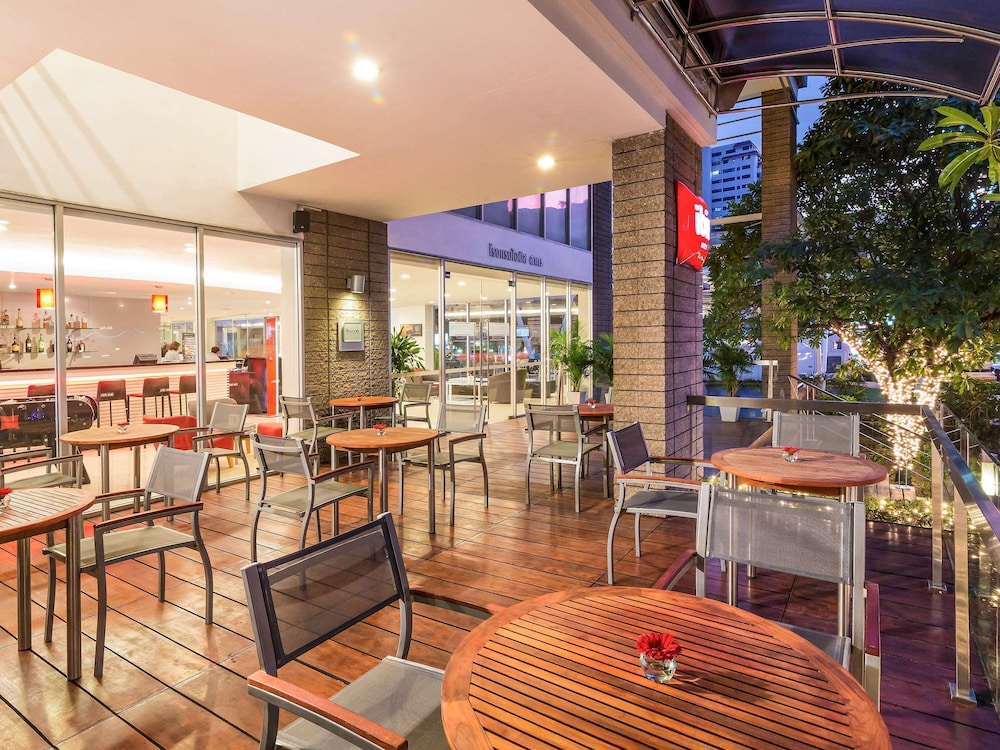 Bar, ibis Bangkok Sathorn