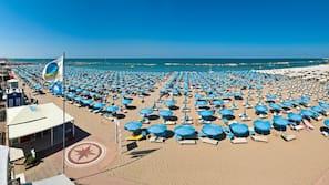 Una spiaggia nelle vicinanze, cabine da spiaggia gratuite