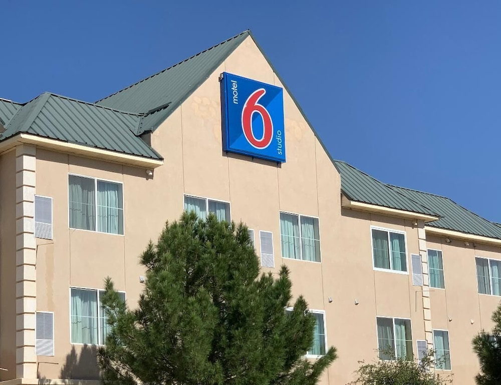 Front of Property, Motel 6 Hobbs, NM - Event Center