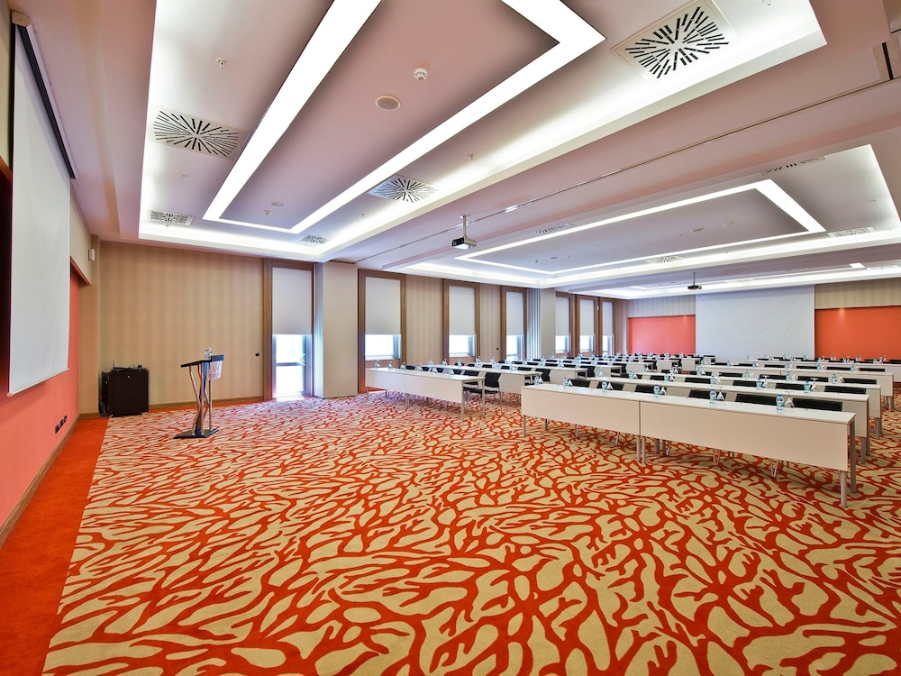 Book wow airport hotel istanbul hotel deals for Paradise airport hotel istanbul