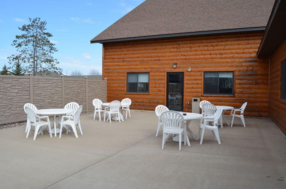 Terrace/Patio, AmeriVu Inn & Suites