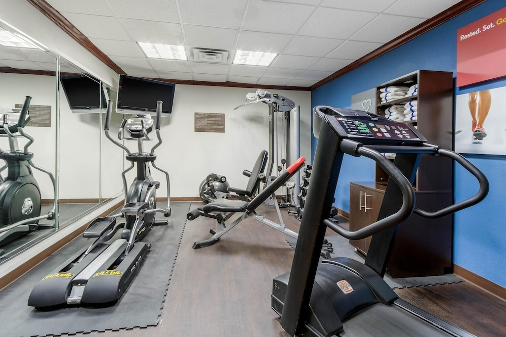 Fitness Facility, Comfort Suites Central