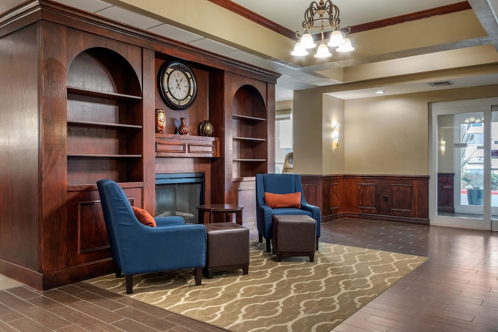 Lobby, Comfort Suites Central