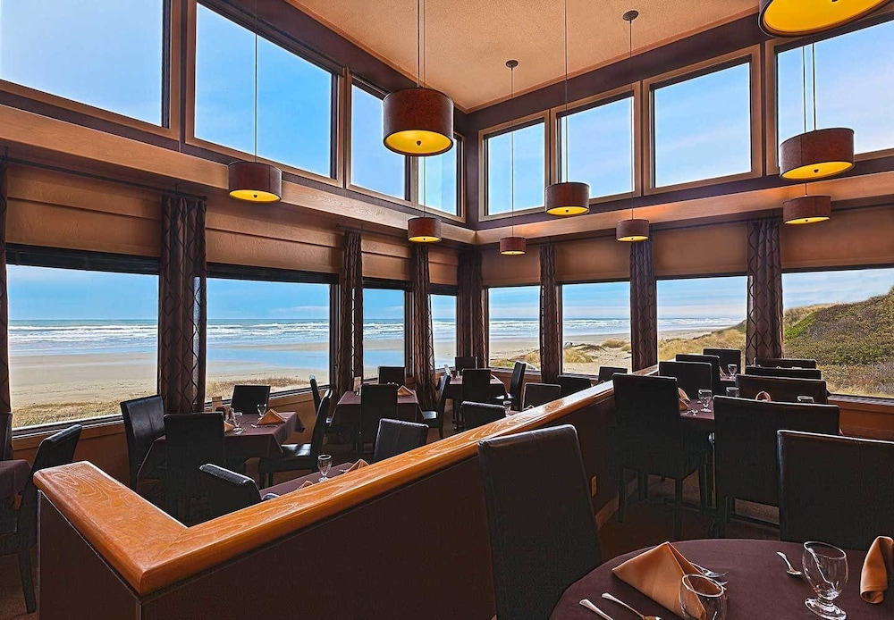 Dining, Driftwood Shores Resort And Conference Center