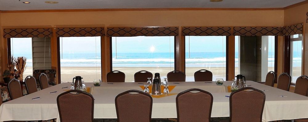 Banquet Hall, Driftwood Shores Resort And Conference Center