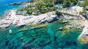 Playa privada cerca, servicio de transporte a la playa y tumbonas