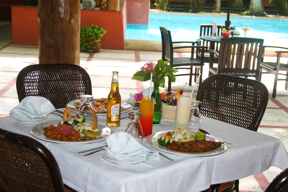 Food and Drink, Villas Arqueologicas Chichen Itza