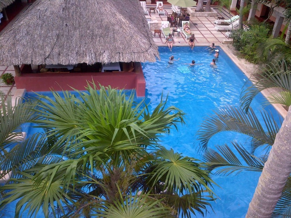 Outdoor Pool, Villas Arqueologicas Chichen Itza