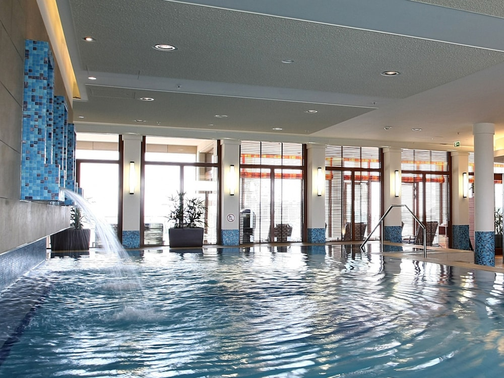 Indoor Pool, ATLANTIC Hotel Wilhelmshaven