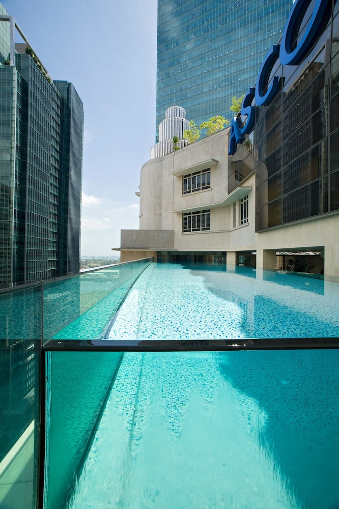 Rooftop Pool, Ascott Raffles Place Singapore