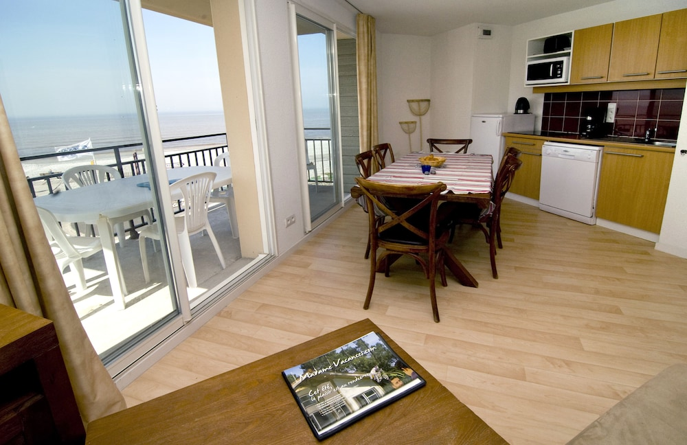 In-Room Dining, Madame Vacances Residence Les Terrasses de la Plage