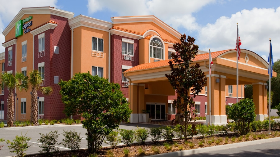 Holiday Inn Express Hotel & Suites Brooksville, an IHG Hotel