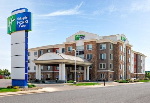 Holiday Inn Express & Suites Ontario, an IHG Hotel