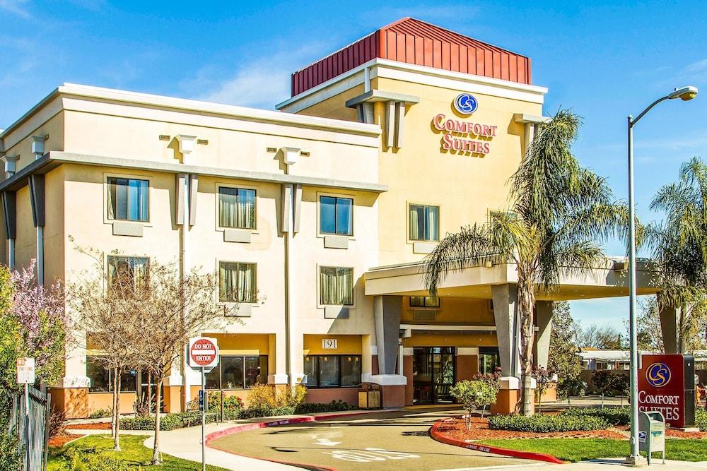 Comfort Suites Vacaville: 2019 Room Prices $112, Deals