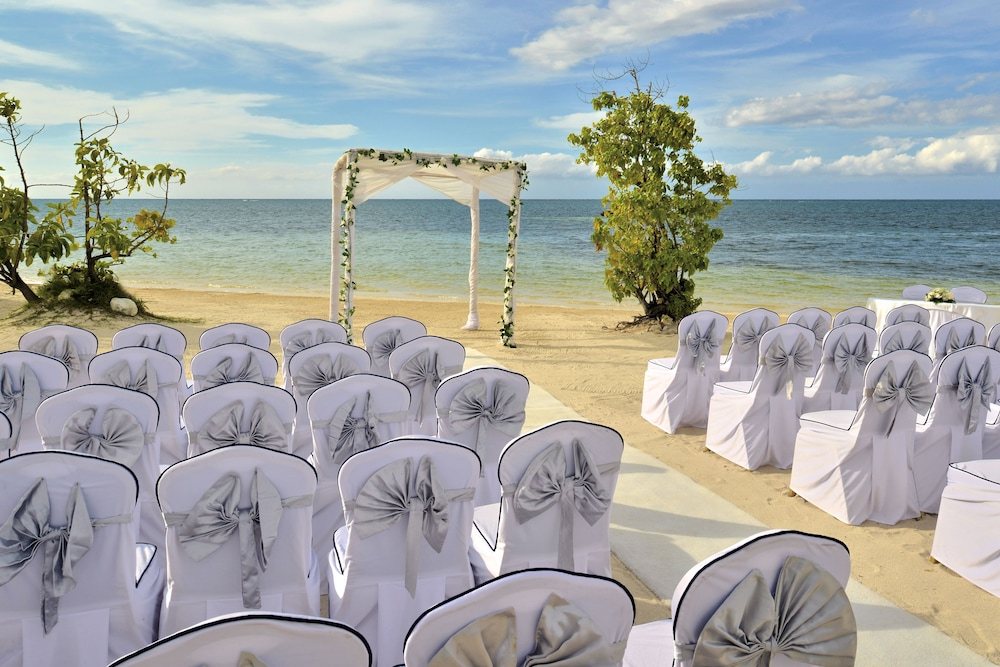 Outdoor Wedding Area, Iberostar Rose Hall Beach All Inclusive