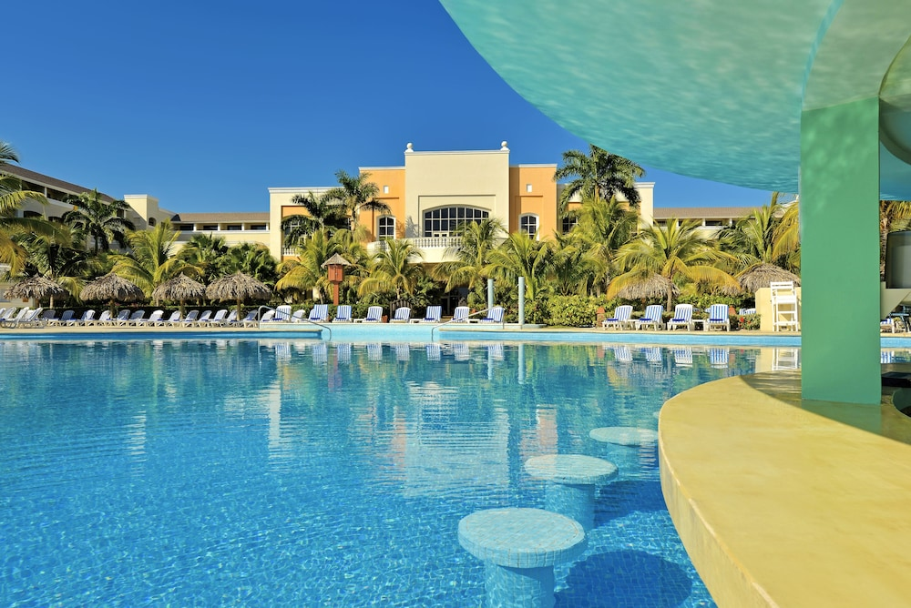 Pool, Iberostar Rose Hall Beach All Inclusive