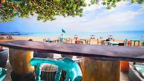 หาดส่วนตัว, ร่มชายหาด