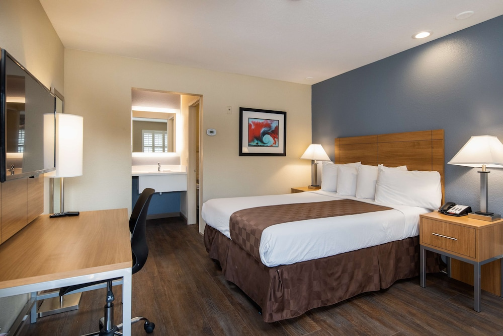Room, SureStay Hotel by Best Western Fairfield Napa Valley