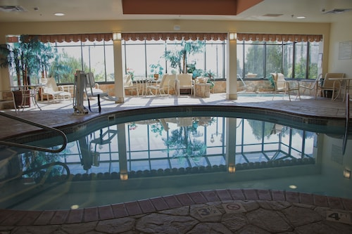 $68 Erie Hotels with a Jacuzzi or Hot Tub in Room   Travelocity