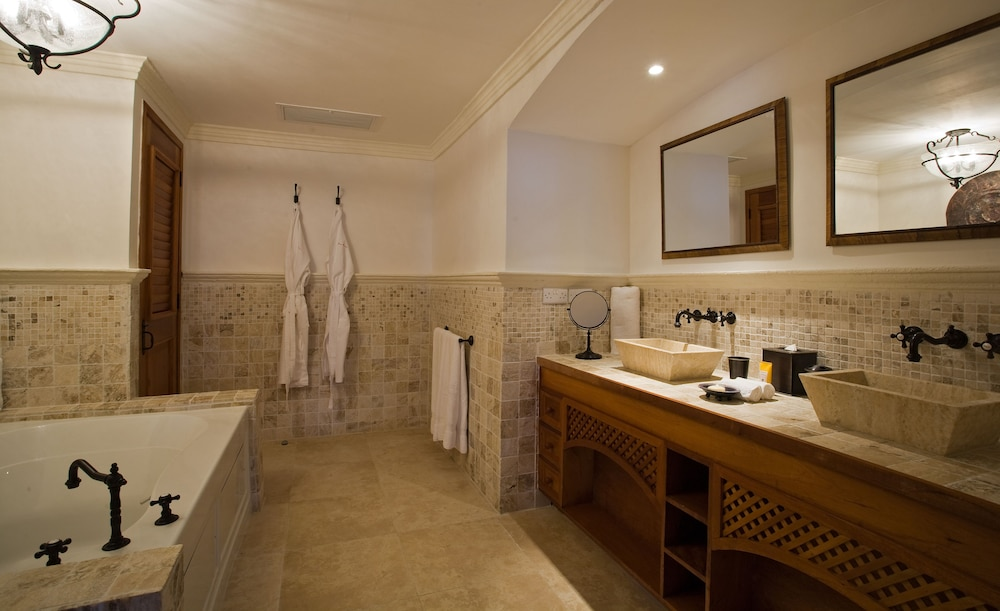 Bathroom, Cap Maison Resort & Spa