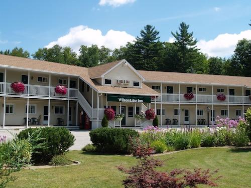Great Place to stay Wilson Lake Inn near Wilton