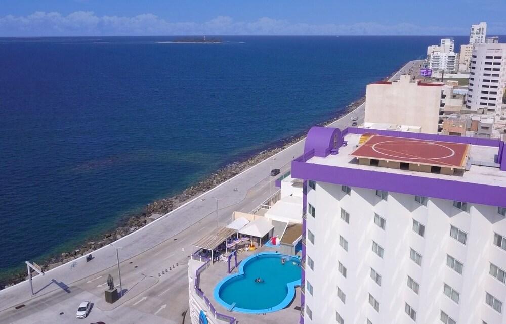 Hotel Lois Veracruz: 2019 Room Prices $32, Deals & Reviews
