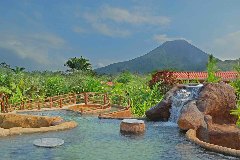 Hot springs, Volcano Lodge Hotel & Thermal Experience