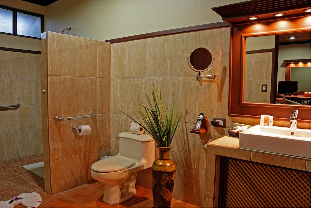 Bathroom, Volcano Lodge Hotel & Thermal Experience