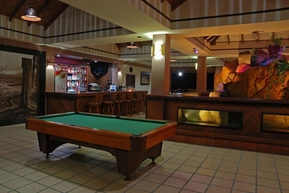 Billiards, Volcano Lodge Hotel & Thermal Experience