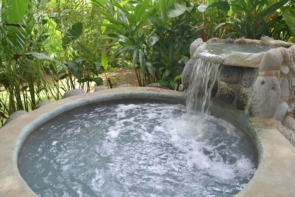 Outdoor Spa Tub, Volcano Lodge Hotel & Thermal Experience