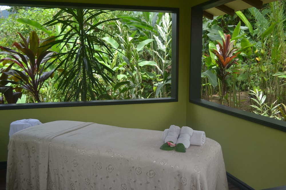Treatment Room, Volcano Lodge Hotel & Thermal Experience