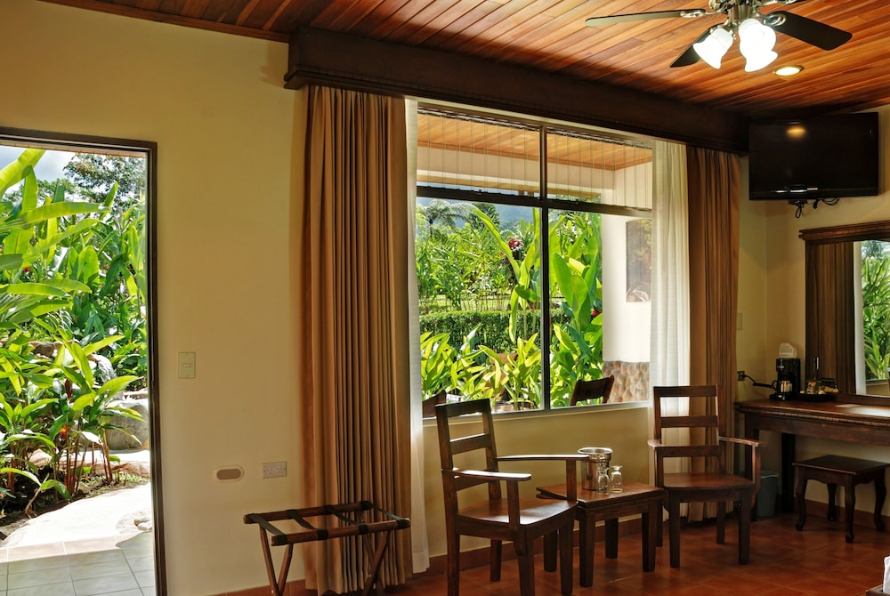 Living Area, Volcano Lodge Hotel & Thermal Experience