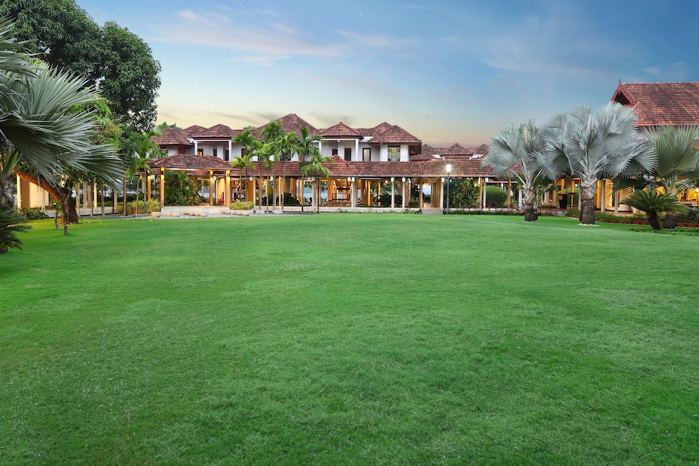 Courtyard, Ramada Resort by Wyndham Kochi