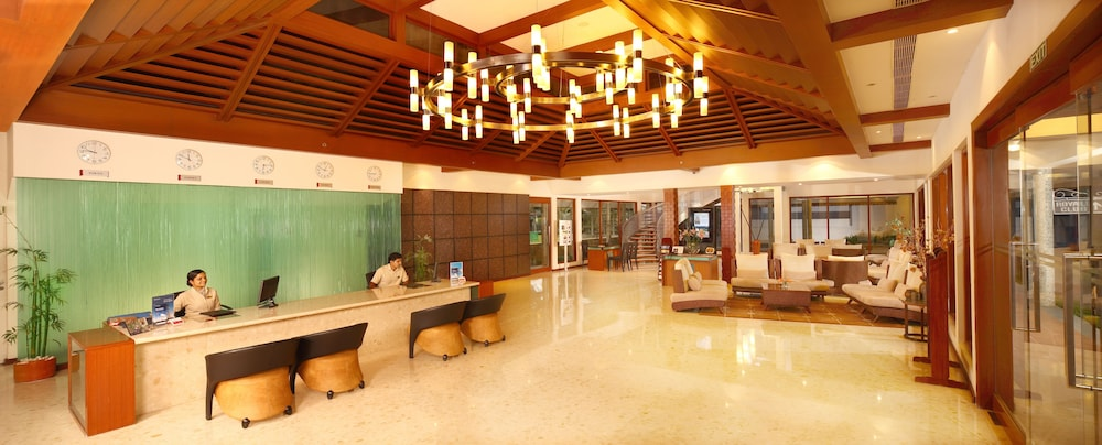 Lobby Lounge, Ramada Resort by Wyndham Kochi