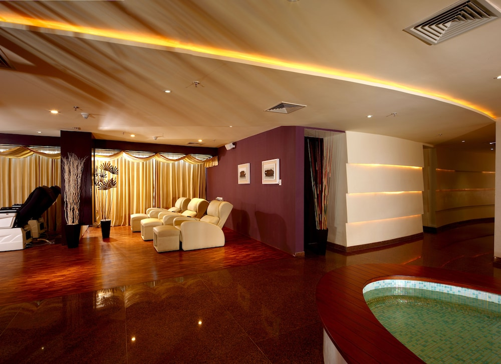 Massage, Ramada Resort by Wyndham Kochi