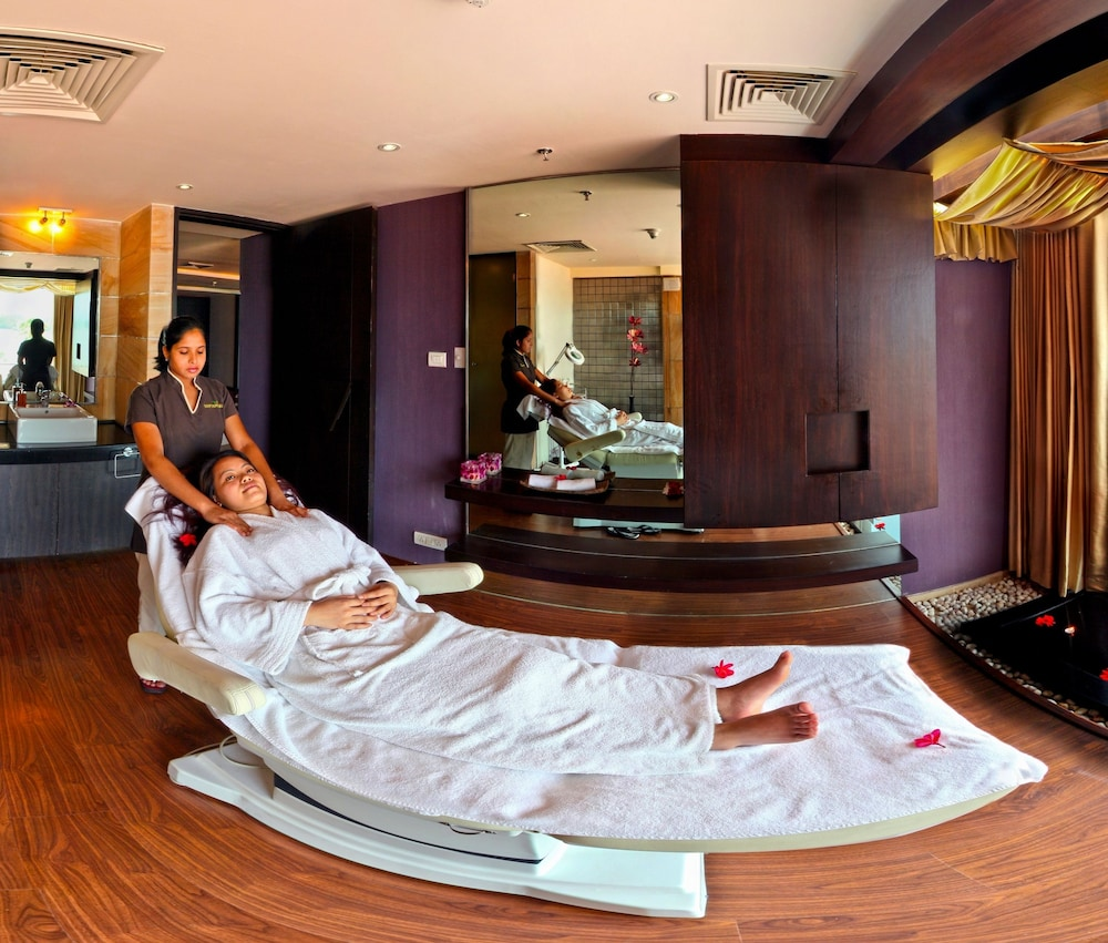 Spa, Ramada Resort by Wyndham Kochi