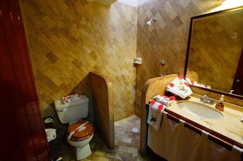 Junior Suite, Ocean View - Bathroom