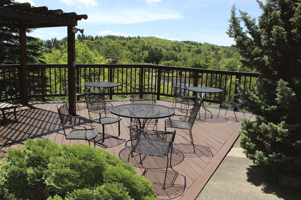 Terrace/Patio, Cliff Dwellers Inn