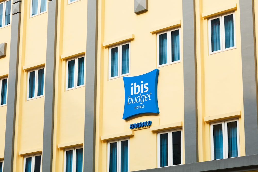 Front of Property, ibis budget Singapore Emerald